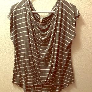 Tops - Striped knotted Tee